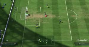Lỗi lạ FIFA Online 3: 10 cầu thủ dàn hàng ngang trước cầu môn