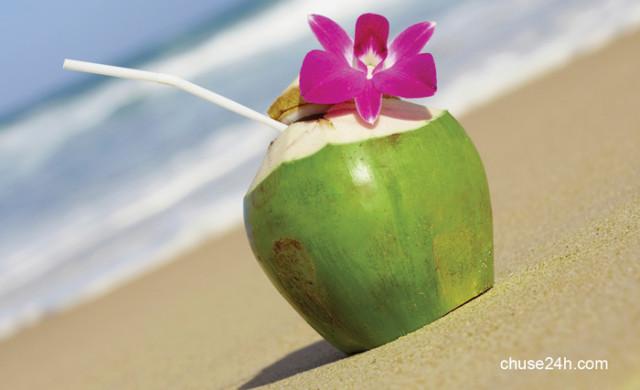 """""""Mặt trái"""" nguy hiểm không ngờ của nước dừa"""