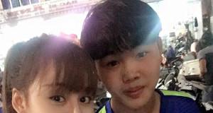 """Hot girl Lê Thị Huyền Anh bất ngờ có mặt trên sân Pleiku để cổ vũ HAGL đấu """"Chelsea Việt Nam""""."""