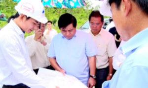 Bộ trưởng Nguyễn Chí Dũng kiểm tra thực tế khu vực thủy lợi Pleik Keo (xã Ayun, H. Chư Sê, Gia Lai).