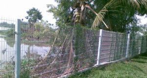 Vướng vào hàng rào chống trộm, bé trai 11 tuổi tử vong vì điện giật