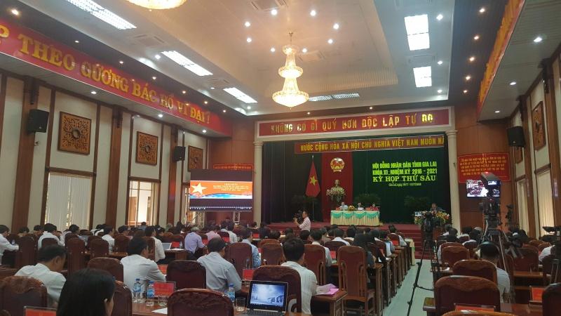 Hội đồng nhân dân tỉnh Gia Lai tổ tức kỳ họp
