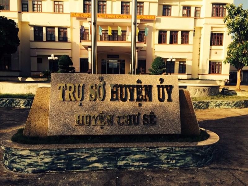 Huyện ủy Chư Sê